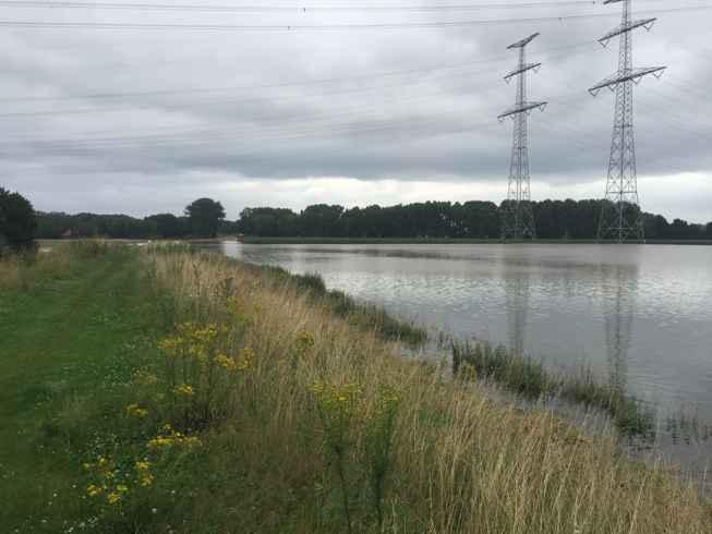 Hoogwater in gebied bij retentiebekken